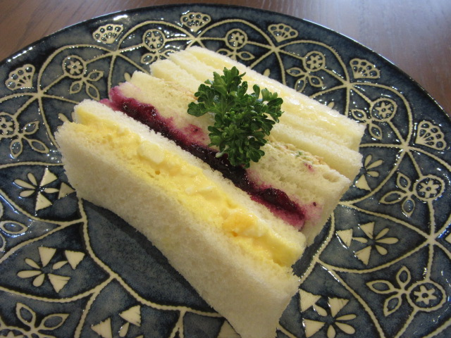 4種の彩りサンドイッチ
